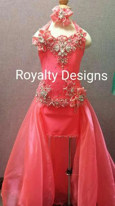 Gorgeous Custom Design attire for children teens, miss. See on Toddlers and Tiaras, natural to Glitz attire. Beauty Pageant Dresses, Pageant Wear, Girls Pageant Dresses, Prom Dresses, Kid Dresses, Formal Dresses, Toddlers And Tiaras, Little Girl Hairstyles, Pageants
