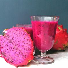 Dragon Fruit Strawberry Smoothie  Ingredients:  1/2 cup dragon fruit, peeled 5 large strawberries 1 small banana, peeled 2 cups fresh baby spinach 6 ounces of filtered water  Directions:  Blend until smooth  #Smoothie_World #Padgram