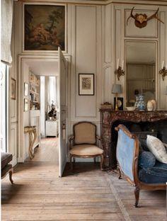 Home design french decor ideas Vintage Interior Design, Classic Interior, Vintage Home Decor, Country Interior, French Design Interiors, Vintage French Decor, Rustic Decor, French Style Decor, Vintage Homes