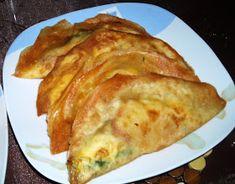 SALADE MECHOUIYA La salade méchouiya, littéralement «salade grillée», est un plat tunisien composée de tomates, poivrons, oig...