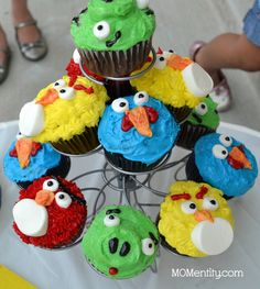 Angry Birds birthday party - I would LOVE to try to make these!!
