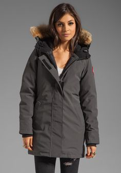 Canada Goose jackets replica discounts - Canada Goose ON HER: Victoria parka in military green. XXS-XL ...