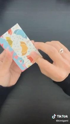 Cool Paper Crafts, Paper Crafts Origami, Diy Crafts Hacks, Diy Crafts For Gifts, Instruções Origami, Diy Origami Wallet, Origami Birthday Card, Paper Crafts Magazine, 5 Minute Crafts Videos