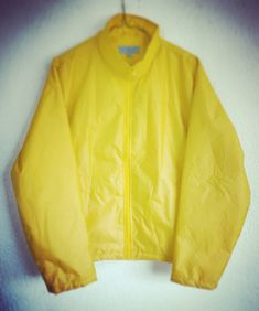 Es hoy! Sin saberlo estaba preparado para este momento desde hace muchos años con este impermeable amarillo. . #Dark #Jonas #DarkSeries Adidas Jacket, Athletic, Instagram, Jackets, Fashion, Yellow Raincoat, Down Jackets, Moda, Athlete
