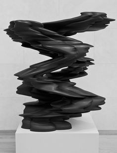 Runner by Tony Cragg | Nasher Sculpture Center, Dallas, Texas. Photo by whitehotphoenix