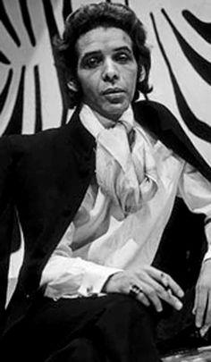 Dener Pamplona de Abreu foi um estilista brasileiro, um dos pioneiros da moda no…