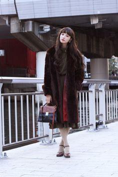 元看護師の萬波ユカちゃん。三白眼を持ち、美しすぎる存在感を放っている彼女。なんと東京に上京してからたった2か月でパリコレデビューを果たした今大注目のモデルさんなんです!私服も雰囲気のある萬波ユカさん。彼女の魅力に迫ります♡