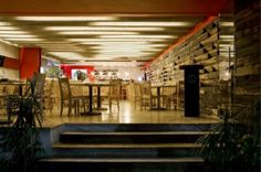 Contemporary-Design-Merotoro-Restaurant-588x389