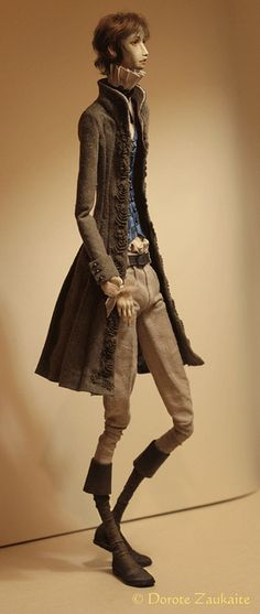This reminds me of my character Chris in Tim Burton's style. Such an elegant figure. <3