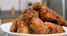 Fried chicken is the benchmark of Southern cuisine. For the best results, shallow-fry the chicken in a cast iron skillet. You'll find that the crust adheres. Iron Skillet Recipes, Cast Iron Recipes, Skillet Meals, Skillet Cooking, Cooking Oil, Southern Kitchens, Southern Dishes, Southern Recipes, Southern Food