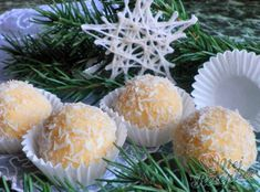 Recept Rafaello kuličky podle Danky Christmas Baking, Christmas Cookies, Looks Yummy, Rum, Projects To Try, Goodies, Food And Drink, Eggs, Homemade