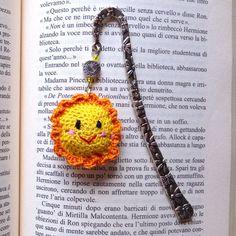 Segnalibro a gancio con sole kawaii felice amigurumi, fatto a mano all'uncinetto, by La piccola bottega della Creatività, 8,50 € su misshobby.com