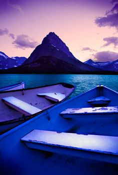 Many Glacier Hotel Swiftcurrent Lake Boats - Glacier National Park Places To Travel, Places To See, Beautiful World, Beautiful Places, Many Glacier Hotel, Big Sky Country, Canada, Places Around The World, The Great Outdoors