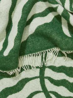 Linnea Andersson Blanket - Green - Home - ARKET DK Cozy Living Spaces, Living Room, Green Blanket, Leaf Texture, My Ideal Home, Sweet Home Alabama, Living Furniture, Texture Painting, Scandinavian Design