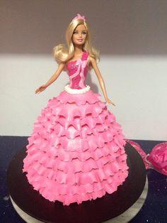 Barbie cake. #barbie #barbiecake #pink #cakeforgirls