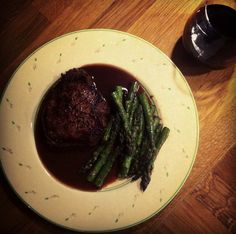 redwine and steak