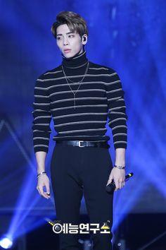 Damn. Jonghyun in stripes is my aesthetic