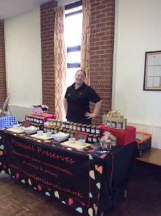 Shelley from Presall Preserves displaying her wares!