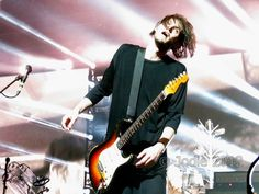 Josh Klinghoffer pictures I Have A Crush, Having A Crush, Josh Klinghoffer, John Frusciante, Kurt Cobain, Cute Boys, Chili, Eye Candy, Rabbit Hole