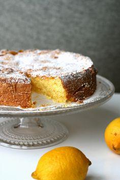 Sweet Cakes, Yummy Cakes, Vanilla Cake, Baked Goods, Tiramisu, Lemon, Food And Drink, Pie, Sweets