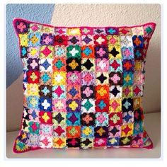 marretjeroos crochet square cushion