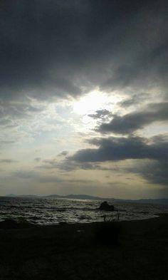 Όταν αγριεύει η θάλασσα. ...