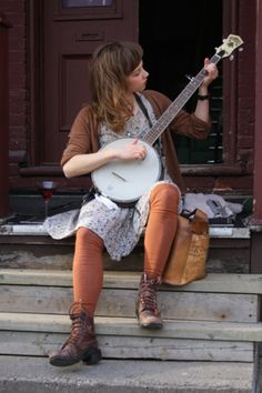 Nothin' says love like a girl and her banjo.