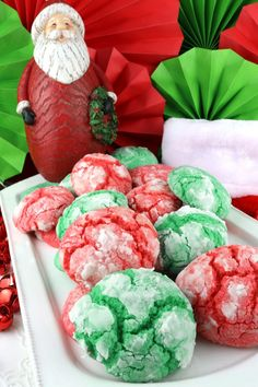 Kris Kringle Crinkles : If you are looking for Christmas Gift Ideas … how about these delicious and adorable Kris Kringle Crinkles cookies? These yummy red and green homemade Crinkle Christmas Cookies would look so pretty in a DIY Christmas gift basket fo Christmas Pretzels, Christmas Food Gifts, Christmas Gift Baskets, Christmas Sugar Cookies, Christmas Diy, Holiday, Pinwheel Sugar Cookies, Homemade Gift Baskets, Cookie Decorating Party