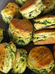 A recept a Gasztroangyal műsorban hangzott el, leírva pedig itt található. Vegetarian Recipes, Cooking Recipes, Healthy Recipes, Food Porn, Salty Snacks, Hungarian Recipes, Bread And Pastries, Easy Family Meals, Food 52