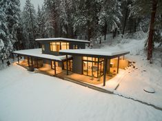 Nelson Cabin - Fine Homebuilding low pitch in heavy snow country Modern House Plans, Modern House Design, Casas Containers, Cabins And Cottages, Cabin Homes, Modern Architecture, Sustainable Architecture, Exterior Design, Future House