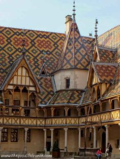 If you are ever in Burgundy and close to Beaune, then don't miss out on a visit to the famous Hospices de Beaune (also known as L'Hotel Dieu de Beaune). You may have heard of it because of the famous wine auctions that are held there each year but there is far more to this unique museum than that. An amazing building that is fabulously preserved, a fascinating history, a museum that is a treasure trove of the past and an incredible piece of living history awaits you…