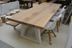 Oak tree trunk table with white steel Trapeze legs. Rustic and tough appearance. Made to measure by Living in Diy Dining Room Table, Dining Table Design, Oak Table, Table And Chairs, Trunk Table, Esstisch Design, Resin Furniture, Furniture Design, Muebles Living