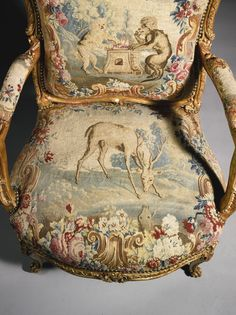 Louis XV carved giltwood fauteuils, seat detail #2