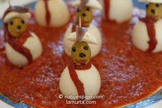 Boiled Egg Snowmen – Huevos Chinos – Recipe in Spanish & English Spanish English, Spanish Food, Cocktail Sticks, Boiled Eggs, Snowmen, Asian Recipes, Cocktails, Pudding, Desserts