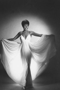 """Julia"" Diahann Carroll - First Black Woman to headline a television series Vintage Black Glamour, Vintage Beauty, Black Girls Rock, Black Girl Magic, Timeless Beauty, Classic Beauty, Jacqueline De Ribes, Kings & Queens, Diahann Carroll"