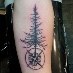#mulpix Tree and compass. #tattoo #nautilustattoo #ct #tattoos #860 #hartford #blackisbeautiful #black #tree #compass #compasstattoo #treetattoo #blacktattoo #nature #north #3doorsdown