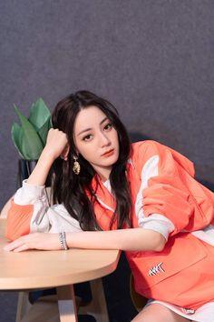 Cute Girls, Cool Girl, Selfies, Prity Girl, Posing Guide, Female Actresses, Chinese Actress, Beautiful Asian Women, Aesthetic Girl