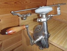 ANTIQUE BEST MAIDE 1551 Model J Clamp Hand Crank Grinder Knife Sharpener