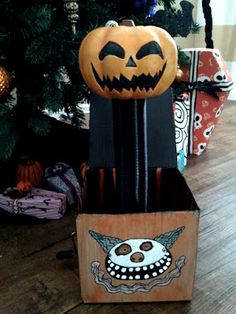 This is is a tutorial on how to make the scary jack-o-lantern jack in box toy from the movie...