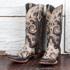 Lucchese Ladies' Tobacco Studded Boots