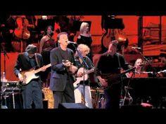 Eric Clapton & Paul McCartney - While My Guitar Gently Weeps Legendado Tradução - YouTube
