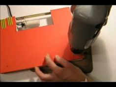 Elementos decorativos DIY con libros ¡muy originales! http://ini.es/1SWZ07J #DIY, #ElementosDecorativos, #ManualidadesConLibros