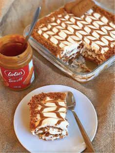 People Are Making Lotus Biscoff Lasagne And It Looks Insane - Tyla Biscoff Recipes, Baking Recipes, Cake Recipes, Dessert Recipes, Yummy Treats, Sweet Treats, Yummy Food, Healthy Food, Mozarella