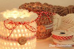 Seid ihr auch Fans des skandinavischen Stils und kuscheliger Accessoires für Herbst und Winter? Braucht ihr noch eine kurzfristige Geschenkidee? Dann zückt die Häkelnadeln, Mädels (und auch Jungs)!...