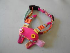 Zezling!'s dog collar, with a Zinsect on it!