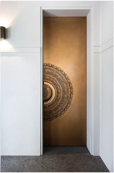 Love how this Gold Bronze Splice door turned out. Get in touch for your next project. Modern Entrance Door, Entrance Lighting, Wood Entry Doors, Entrance Doors, Wooden Doors, Grand Entrance, Main Door Design, Front Door Design, Best Front Doors