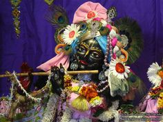 http://harekrishnawallpapers.com/sri-govind-close-up-iskcon-nigdi-wallpaper-014/