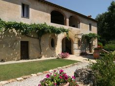 Villa Villa Tuscany, Italy, Patio, Mansions, House Styles, Outdoor Decor, Home Decor, Italia, Decoration Home