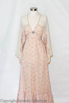 Boho Peasant Dress  1970's Vintage in Sheer por SalvatoCollection, $125.00