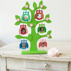 A whimsical take on a family tree from Little Ella James Family Tree For Kids, Family Tree Photo, Family Tree Frame, Owl Family, Free Family Tree, Wisteria Arbor, Arbour Day, Diy Projects For Beginners, Fun Hobbies